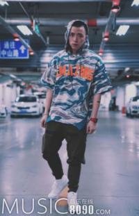 中国有嘻哈|学不会freestyle,我们可以学装扮