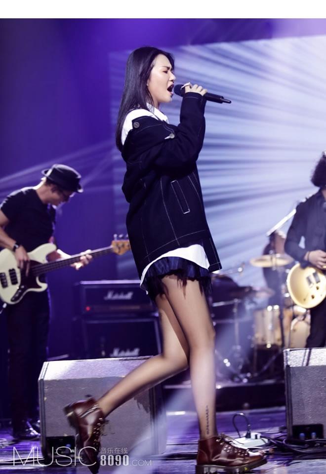 谭维维《中国乐队》首度开唱 变身DJ还玩起摇滚