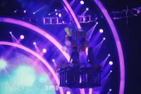 BY2现身四川卫视跨年演唱会 歌舞表演现场battle